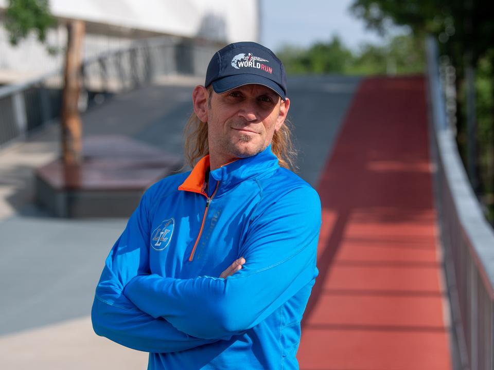 Lukács László életében fontos szerepet tölt be a sport (Fotók  Tankcsapda) a34ec7d1c8