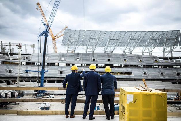 A MLSZ-elnök és a miniszterelnök is bejárta az épülő nemzeti stadiont 7c78275b5f