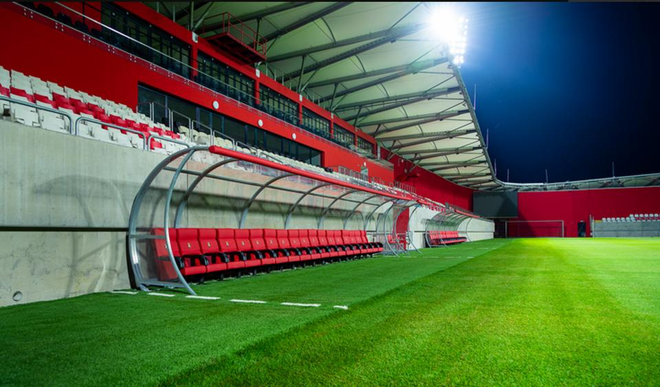 A Kisvárda új stadionja (Fotó  Szabó Sándor kisvardafc.hu) 36cddae399