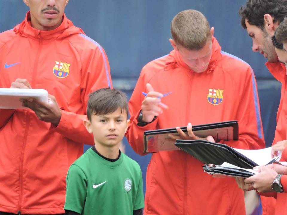2ae9ac2978 Molnár Milánt és testvérét, Molnár Pétert is felvették az FCB Escolára