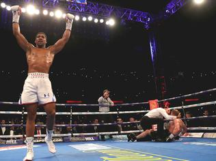 Anthony Joshua Alekszandr Povetkint is kiütötte!