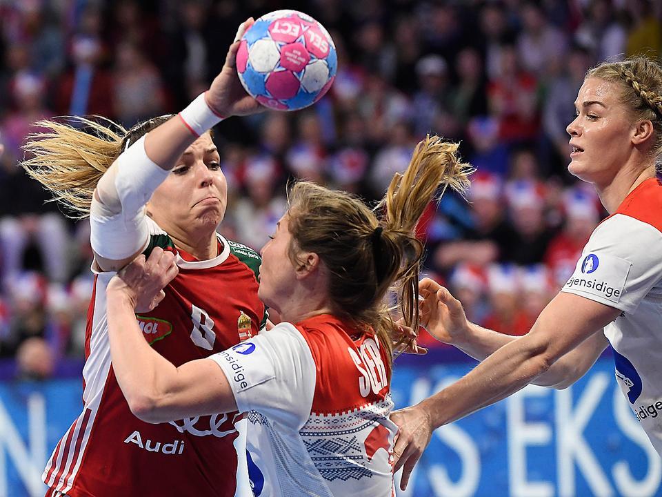 Ezt gyorsan felejtsük el: Norvégia 13 góllal lelépte a magyar válogatottat (női Európa-bajnokság, kézilabda)