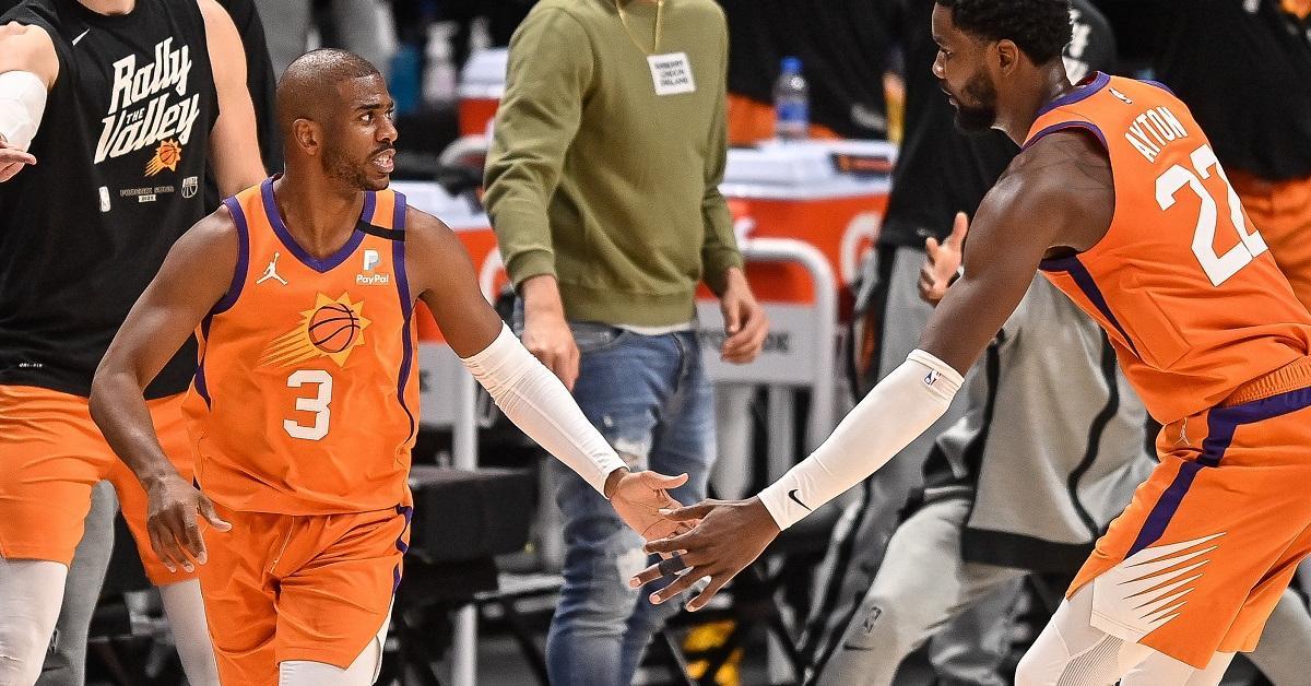 NBA: a söprés kapujában a Suns, fordított a Sixers