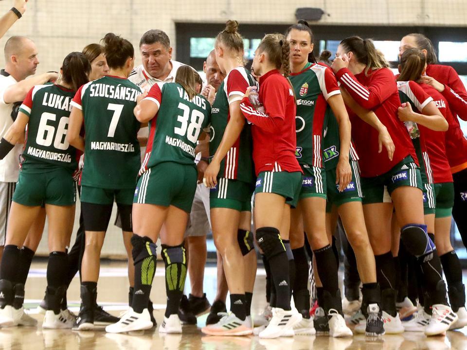 Vb-negyeddöntőben a női pólócsapat   M4 Sport