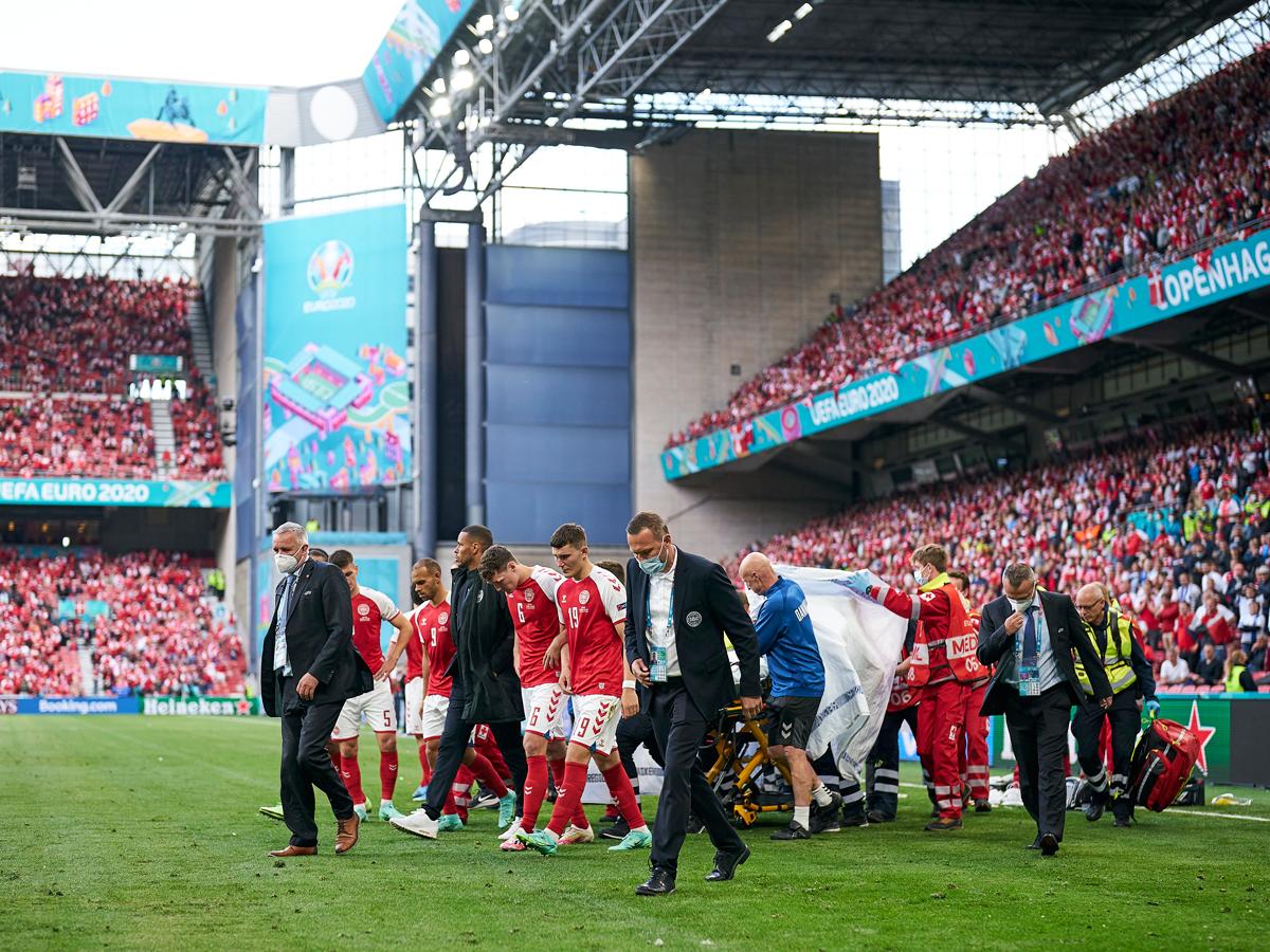 UEFA: az Eriksent megmentő koppenhágai hősök kapják az elnöki díjat