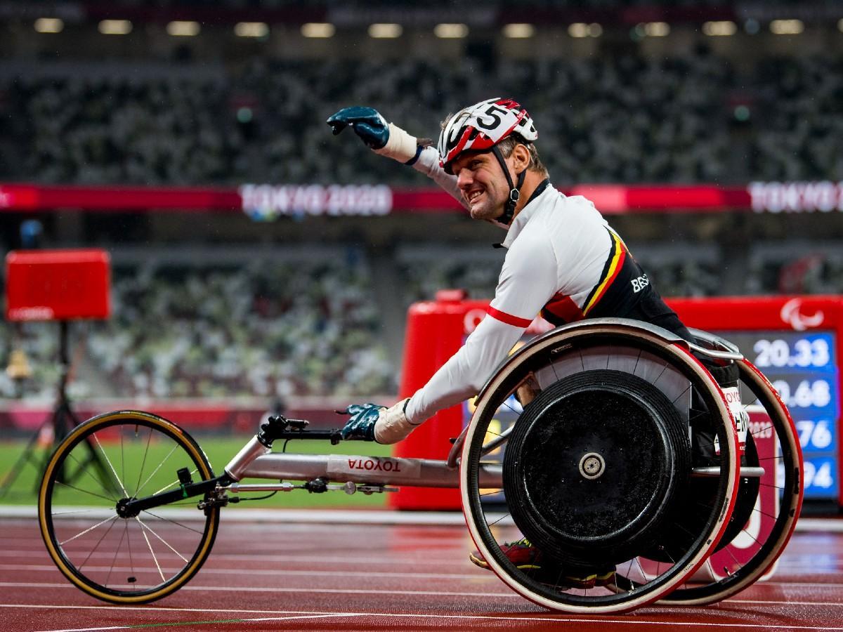 Paralimpia 2020: megrongálták a kerekesszékét, mégis bajnok lett