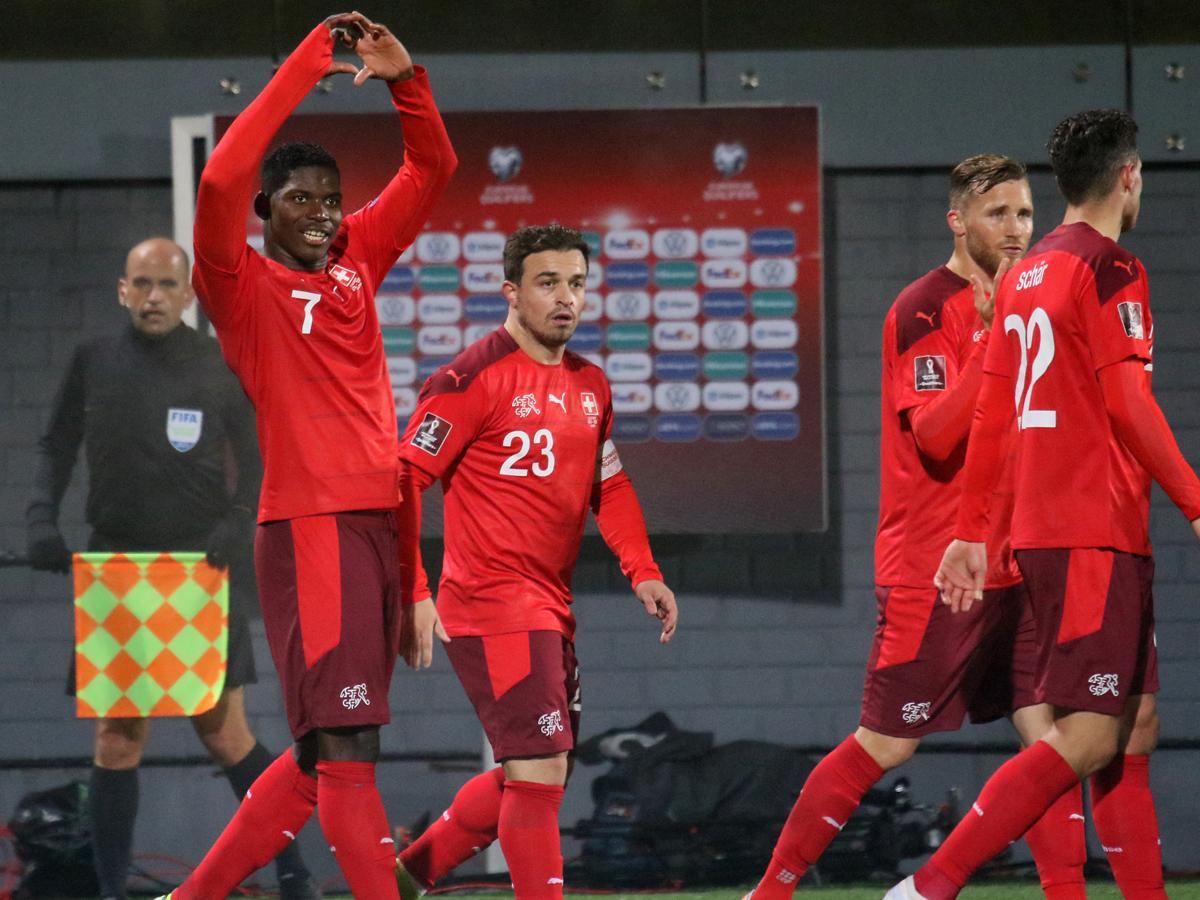 Vb 2022: könnyed svájci győzelem; svéd megújulás