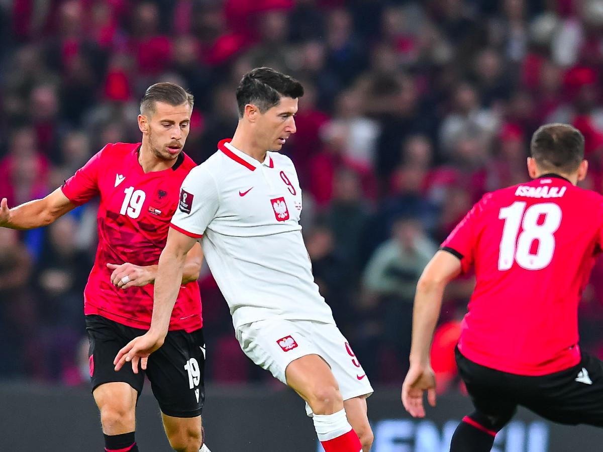 Vb 2022: az albán szövetség elítélte a válogatott renitens szurkolóit