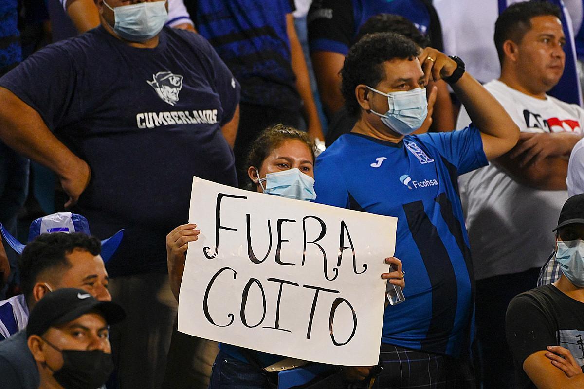 Vb 2022: menesztették a hondurasi szövetségi kapitányt